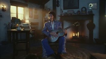 Apple iPhone Group FaceTime TV Spot, 'A Little Company' Song by Elvis Presley - Thumbnail 5