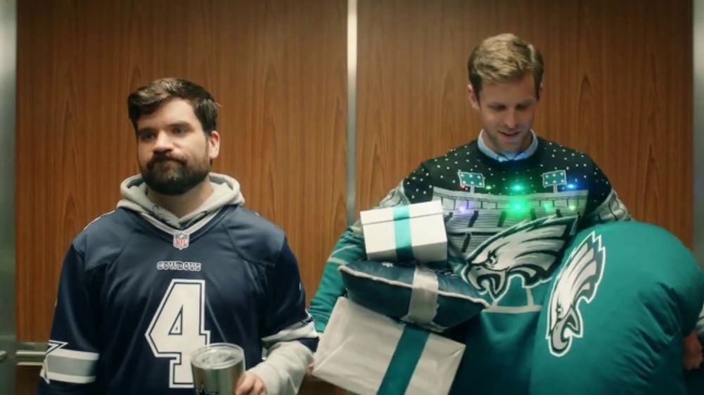 NFL Shop TV Commercial, 'Elevator: 20 Percent Off'
