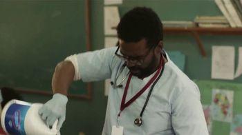 Clorox TV Spot, 'Cuidadores: doctor, papá' [Spanish] - Thumbnail 3