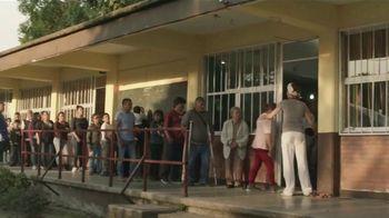 Clorox TV Spot, 'Cuidadores: doctor, papá' [Spanish] - Thumbnail 5