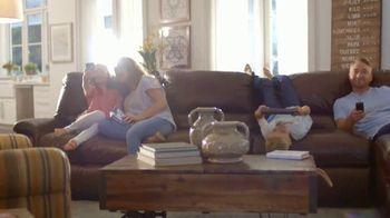 La-Z-Boy Memorial Day Held Over Sale TV Spot, 'Favorite Spot' - Thumbnail 4
