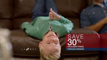 La-Z-Boy Memorial Day Held Over Sale TV Spot, 'Favorite Spot' - Thumbnail 8