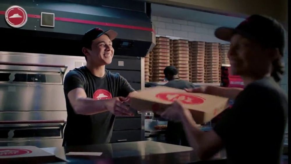 Pizza Hut TV Commercial, 'Delivery Captains'