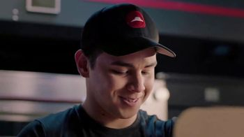 Pizza Hut TV Spot, 'Delivery Captains' - Thumbnail 4