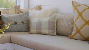 Wayfair TV Spot, 'HGTV: Sarah Off the Grid: How to Decorate a Belvedere' - Thumbnail 2