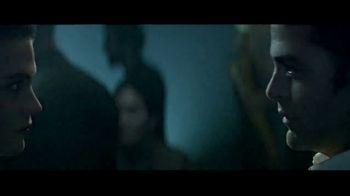 Giorgio Armani Code A-List TV Spot, 'The New Code' Featuring Chris Pine - Thumbnail 7