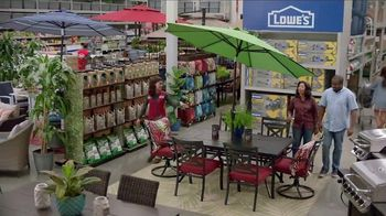 Lowe's Memorial Day Savings TV Spot, 'The Moment: Good Backyard: Grills' - Thumbnail 4