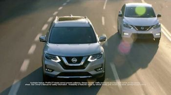2018 Nissan Rogue TV Spot, 'Lando Style' Featuring Deon Cole, Jeff Meacham [T1] - Thumbnail 4