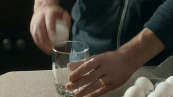 Summer's Eve Cleansing Wash TV Spot, 'Manly Mistake' - Thumbnail 5
