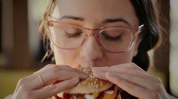 McDonald's Quarter Pounder TV Spot, 'Maria: Fresh Beef' Feat. Luis Fonsi - Thumbnail 4