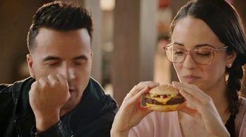 McDonald's Quarter Pounder TV Spot, 'Maria: Fresh Beef' Feat. Luis Fonsi - Thumbnail 6