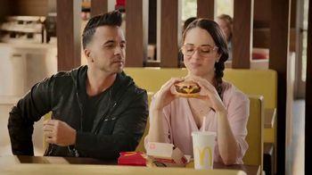 McDonald's Quarter Pounder TV Spot, 'Maria: Fresh Beef' Feat. Luis Fonsi - Thumbnail 9