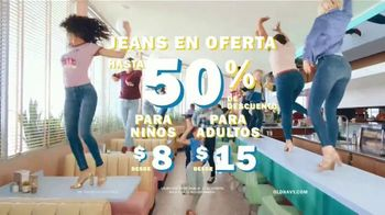 Old Navy 24/7 Jeans TV Spot, 'Dile hola a los jeans 24/7' [Spanish] - Thumbnail 8