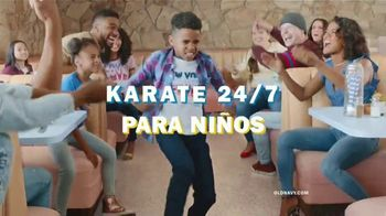 Old Navy 24/7 Jeans TV Spot, 'Dile hola a los jeans 24/7' [Spanish] - Thumbnail 6