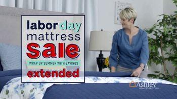 Ashley HomeStore Labor Day Mattress Sale TV Spot, 'Ends Monday' - Thumbnail 3