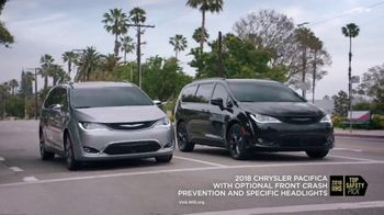 Chrysler Summer Clearance Event TV Spot, 'Shallow Thoughts' Featuring Kathryn Hahn [T2] - Thumbnail 5