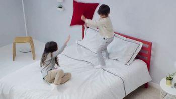 Mattress Firm Power Buy Sale TV Spot, 'Beautyrest Recharge Hybrid' - Thumbnail 4