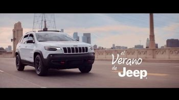Jeep El Verano de Jeep TV Spot, 'Perfect Sync' canción de Sofia Reyes [Spanish] [T2] - Thumbnail 1