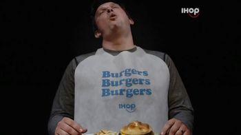 IHOP Ultimate Steakburger Combos TV Spot, 'Burgerers Burgering Burgers' - Thumbnail 4