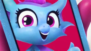Fingerlings Dragons TV Spot, 'The Hottest Things' - Thumbnail 2