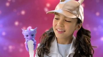 Fingerlings Dragons TV Spot, 'The Hottest Things' - Thumbnail 4