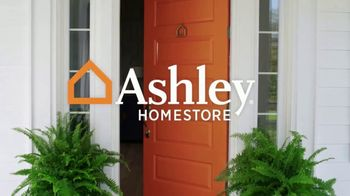Ashley HomeStore Labor Day Sale TV Spot, 'Doorbusters' - Thumbnail 1
