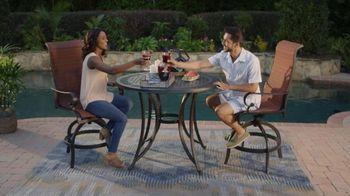 Ashley HomeStore Labor Day Sale TV Spot, 'Outdoor' - Thumbnail 5