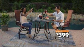 Ashley HomeStore Labor Day Sale TV Spot, 'Outdoor' - Thumbnail 6