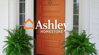 Ashley HomeStore Labor Day Sale TV Spot, 'Extended: Urbanology' - Thumbnail 1