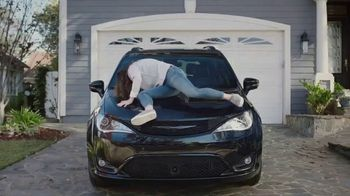 Chrysler Pacifica S TV Spot, 'My Jam' [T1] Feat. Kathryn Hahn, Song by Scorpions - Thumbnail 1