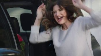 Chrysler Pacifica S TV Spot, 'My Jam' [T1] Feat. Kathryn Hahn, Song by Scorpions - Thumbnail 6