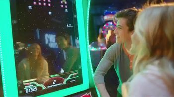 Dave and Buster's Super Power Card TV Spot, 'Play All Day' - Thumbnail 5