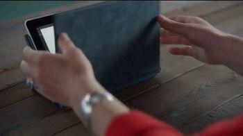 Microsoft Surface Go TV Spot, 'Hermanas' canción de Garbage [Spanish] - Thumbnail 8
