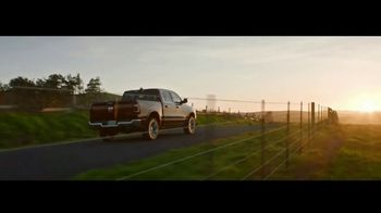 Ram Trucks Evento de Liquidación de Verano TV Spot, 'Tecnología: Trabajo' [Spanish] [T2] - Thumbnail 7