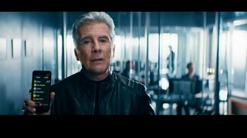 GreatCall Jitterbug Smart TV Spot, 'Help From Mom' Featuring John Walsh - Thumbnail 10