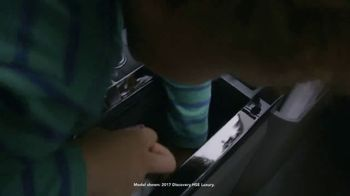 2018 Land Rover Discovery TV Spot, 'Storage Compartments: Chocolate' [T2]