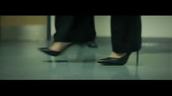 Macy's Fall Fashion Event TV Spot, 'Remarkable You' Song by No Doubt - Thumbnail 2
