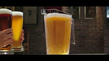 Buffalo Wild Wings Gameday Menu TV Spot, 'Buenos amigos' [Spanish] - Thumbnail 2