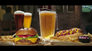 Buffalo Wild Wings Gameday Menu TV Spot, 'Buenos amigos' [Spanish] - Thumbnail 4