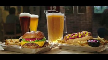 Buffalo Wild Wings Gameday Menu TV Spot, 'Buenos amigos' [Spanish] - Thumbnail 5