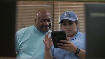 Honda TV Spot, 'Acts of Helpfulness: Hispanic Heritage Foundation' [T2] - Thumbnail 9