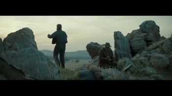 Wells Fargo TV Spot, 'Tu seguridad importa' canción de The Black Keys [Spanish] - Thumbnail 5