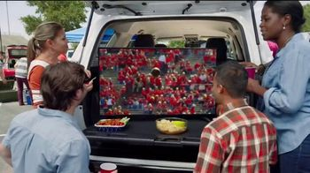 Toyota Tailgate Event TV Spot, 'Centro de entretenimiento' [Spanish] [T2] - Thumbnail 3