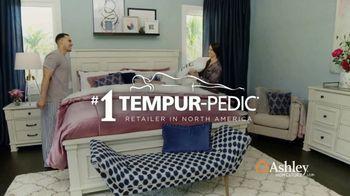 Ashley HomeStore Columbus Day Mattress Sale TV Spot, 'Ends Monday' - Thumbnail 8