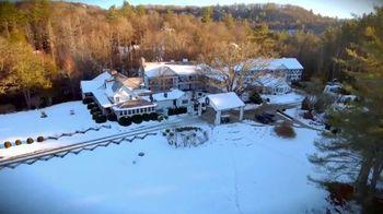 Half-Mile Farm TV Spot, 'Holiday Escape' - Thumbnail 1