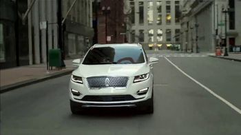 2019 Lincoln MKC TV Spot, 'Waze World' Song by Justin Jay, Josh Taylor [T1] - Thumbnail 4