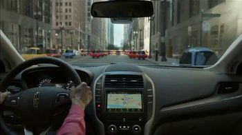 2019 Lincoln MKC TV Spot, 'Waze World' Song by Justin Jay, Josh Taylor [T1] - Thumbnail 5