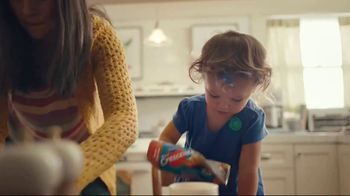 Pillsbury Sweet Hawaiian TV Spot, 'Life Is Pretty Sweet'
