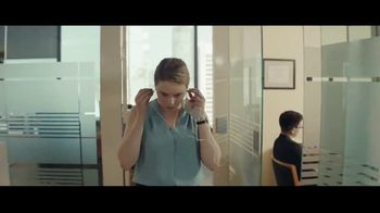 Audible Inc. TV Spot, 'Listen for a Change: Review 5 Second Rule' - Thumbnail 4