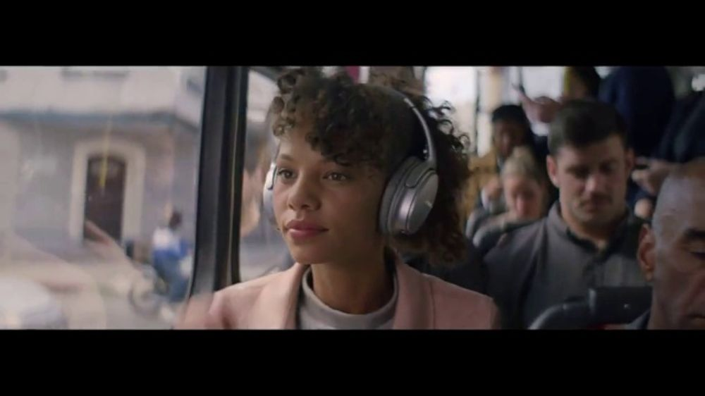 Bose TV Commercial, 'Alexa: Don't Miss A Thing: Bus Ride' Song by Emilie  Mover - Video